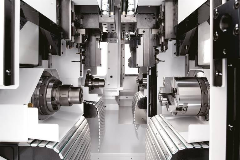 Die Cincom MC20 von der Citizen Machinery Europe GmbH ist keine Maschine von der Stange, sondern wird exakt auf das herzustellende Teil bzw. die Teilefamilie hin konfiguriert. Dabei setzt sie konsequent auf Simultanbearbeitung.  Fotos: Citizen Machinery Europe GmbH