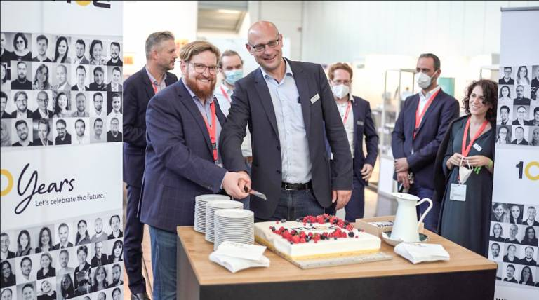 Der 3D-Drucker-Hersteller Lithoz, der sich auf die keramische additive Fertigung spezialisiert hat, feiert sein zehnjähriges Bestehen.