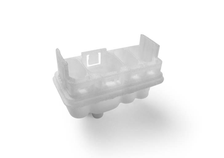 Der miniaturisierte Automotiv-Stecker zeigt die hohe Detailgenauigkeit von SLS-FDR.