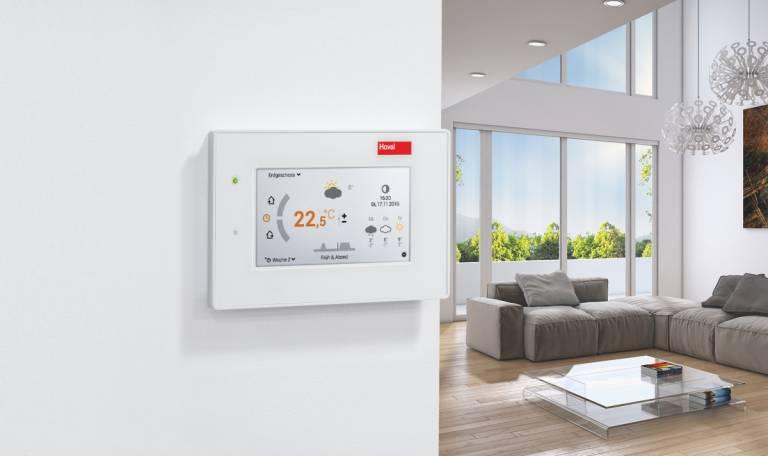 Die weltweit tätige Hoval-Gruppe entwickelt und produziert Heiz-, Kühl- und Klimageräte und verbindet diese zu kundenspezifischen Gesamtanlagen für Gebäude jeder Art und Größe. Auch die Regelungssysteme kommen aus dem eigenen Haus.