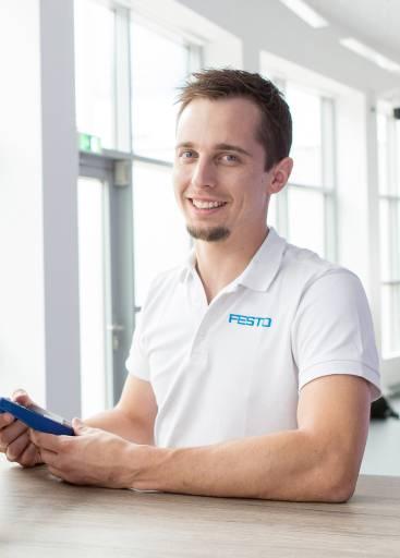 Roland Bauer, AI-Experience-Agent im MotionLab von Festo.