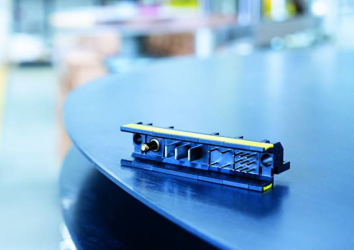 Der German Innovation Award 2021 in der Kategorie Gold ging dieses Jahr an den HARTING har-modular® Board Connector.