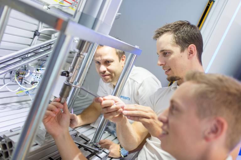 Im MotionLab in Wien wird Hand angelegt – hier werden ungewöhnliche Lösungen getestet und technische Grenzen ausgelotet.