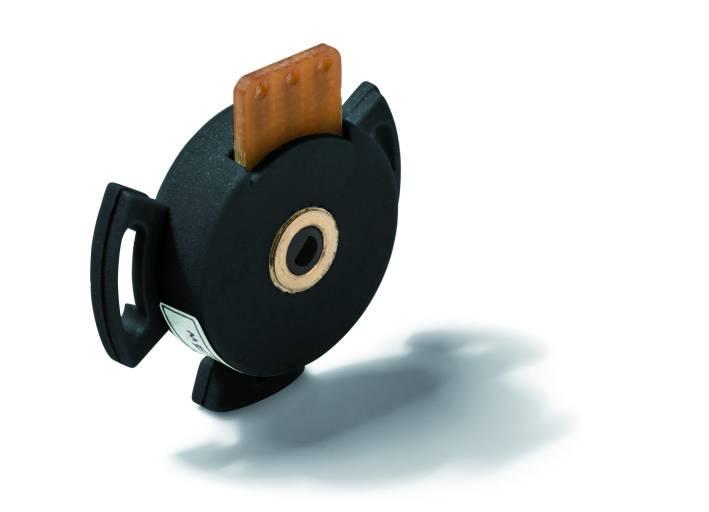 Die Hohlwellen-Leitplastikpotentiometer MHP16 von Megatron eignen sich für engste Bauräume und lassen sich sehr einfach montieren  (Bild: Megatron Elektronik GmbH & Co. KG)