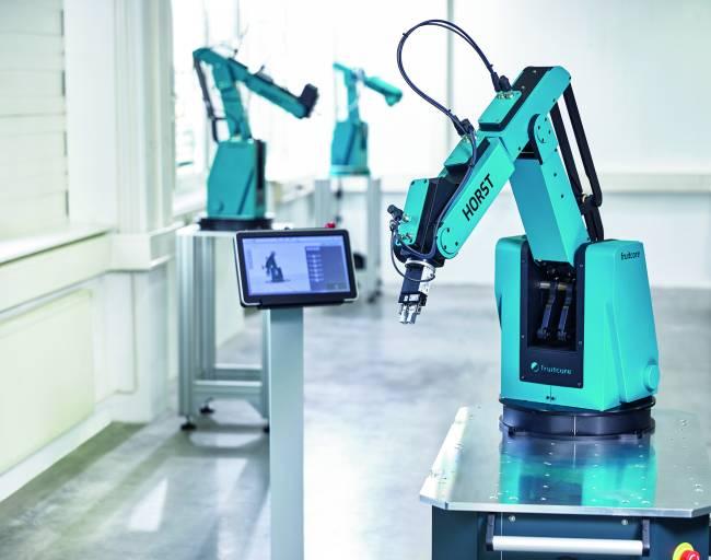 Um Unternehmen aller Größen und Branchen den Einstieg in die Automatisierung zu erleichtern, erweitert fruitcore robotics sein Vertriebsnetzwerk stetig um engagierte Partner. Ein Trio aus Deutschland erhöht die Zahl der zertifizierten fruitcore robotics Partner jetzt auf rund 20. Bild: fruitcore robotics GmbH