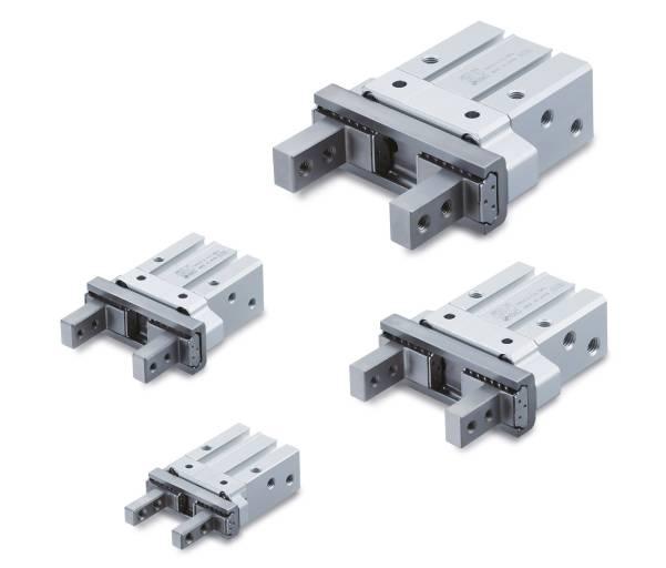 Die pneumatischen Parallelgreifer der Serie JMHZ2 sorgen bei Roboter- und Pick-and-place-Anwendungen dank ihres kompakten Designs auch bei wenig Platz für sicheren Halt bei schnellen Bewegungen und sparen dabei noch Energie. © SMC