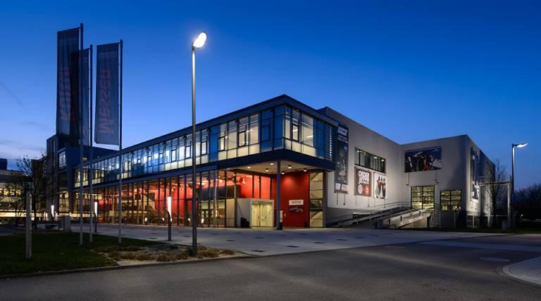 Es dauert nun bis 2022 bis die erste all about automation in der Redblue Messehalle Heilbronn stattfindet.