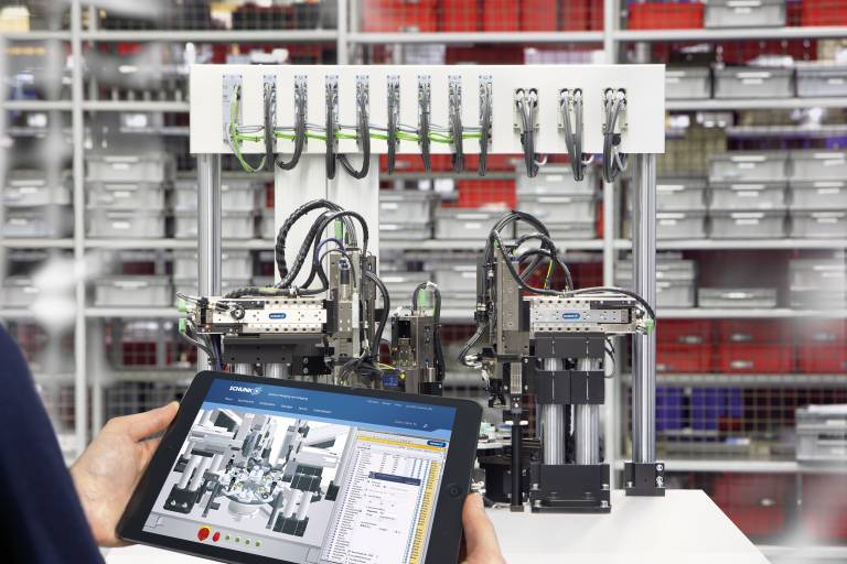 Mit dem Paket aus der Simulationssoftware Mechatronics Concept Designer™ von Siemens PLM Software, einer Komponentenbibliothek Digitaler Zwillinge und entsprechendem Support ermöglicht Schunk den einfachsten Einstieg in die Simulation von Handhabungslösungen.  Bild: Schunk