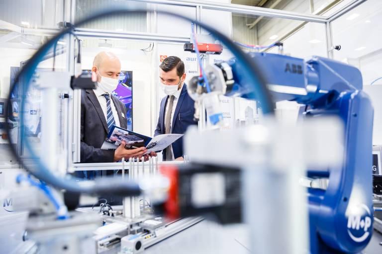 Im Oktober heißt es nun all about automation in Essen. Dass die Messe erfolgreich unter Pandemiebedingungen statt finden kann, hat sie 2020 im September gezeigt.