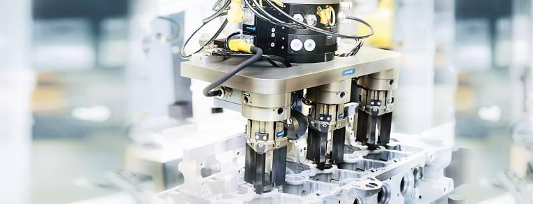Spannende Anwendervorträge und Live- Übertragungen geben Einblicke in die gelebte Praxis der automatisierten Produktion.