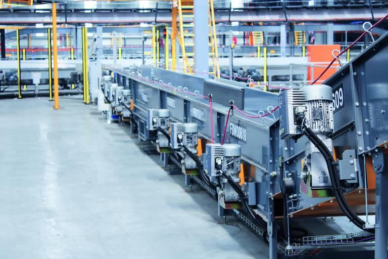 Die Frequenzumrichter der Serie NORDAC FLEX SK 200E wurden speziell für den Einsatz bei umfangreichen Fördertechnikanlagen entwickelt.