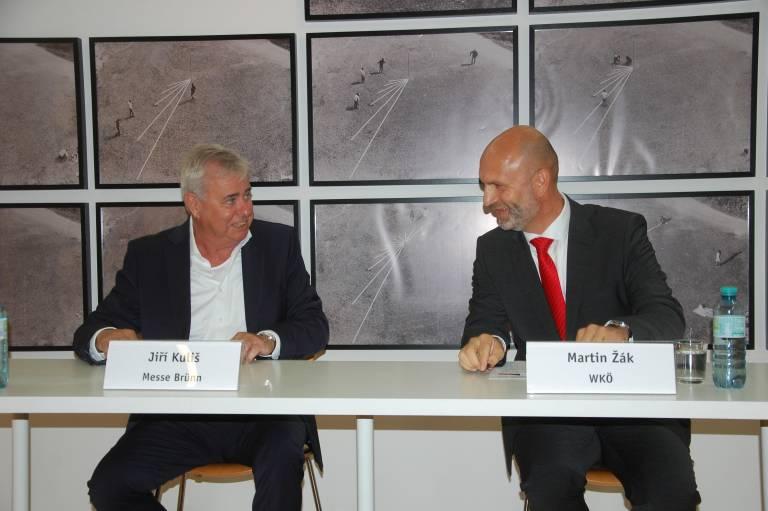 Jiri Kulis, Generaldirektor Messe Brünn, und Martin Zak, Leiter Österreichisches AussenwirtschaftsBüro Brünn, freuen sich mit der Branche auf das neue Messejahr.