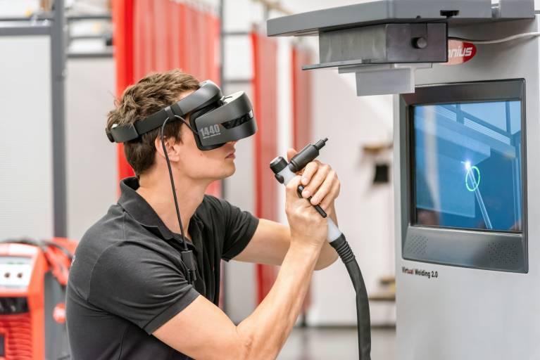 Virtual Welding bringt die neueste Technologie der Unterhaltungselektronik in die Schweißausbildung.