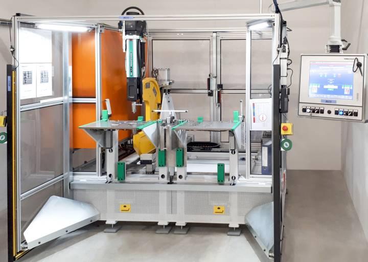 TOX Pressotechnik entwarf für V-ZUG eine komplette Anlage zum Clinchen von Geschirrspülergehäusen.