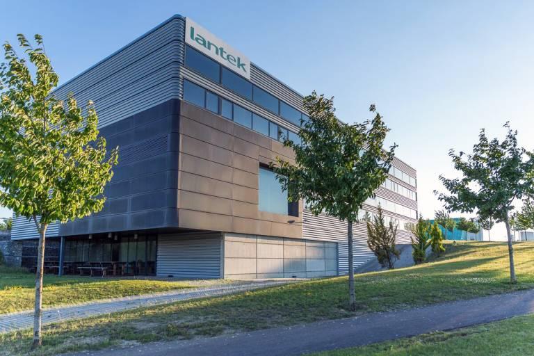 Hauptsitz der Firma Lantek im spanischen Vitoria-Gasteiz. (Bild: Lantek)