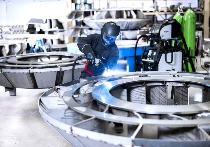 Mit 400 Vertriebs- und Servicestützpunkten weltweit ist EWM Deutschlands größter Hersteller von Lichtbogen-Schweißtechnik.