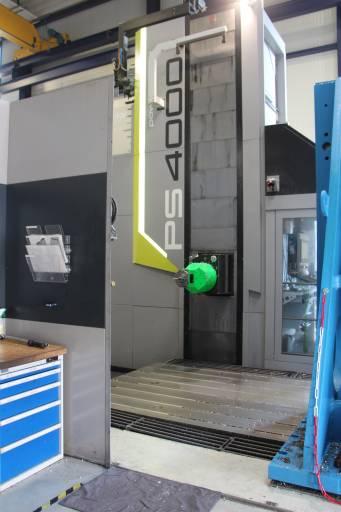 Für einen speziellen Auftrag benötigte die Köppel AG  eine hochproduktive Maschine mit rund 4.000 mm Vertikalfahrweg. Die PowerSpeed 4000 von SHW entsprach diesen Ausstattungswünschen.