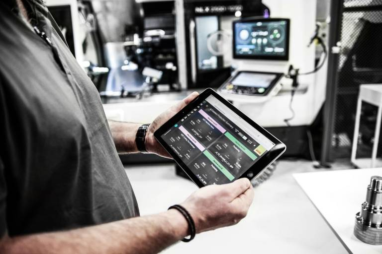 Sandvik Coromant bietet mit CoroPlus® Lösungen für alle Glieder der Wertschöpfungskette – von Design und Planung bis zu vernetzten Maschinen und Lösungen für die Prozessüberwachung.