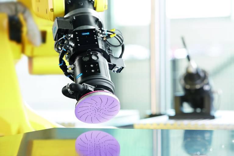 Die Kooperation von Schunk und 3M eröffnet neue Möglichkeiten bei der optimalen Gestaltung automatisierter Schleifprozesse. (Bild: Schunk)