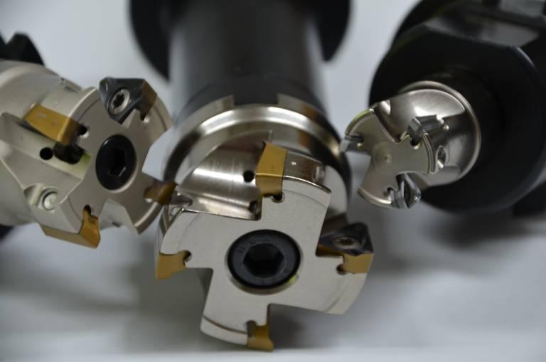 Die Iscar-Fräser besitzen Trigon-Wendeschneidplatten mit drei wendelförmigen Schneidkanten für eine weiche Bearbeitung. (Alle Bilder: Iscar)