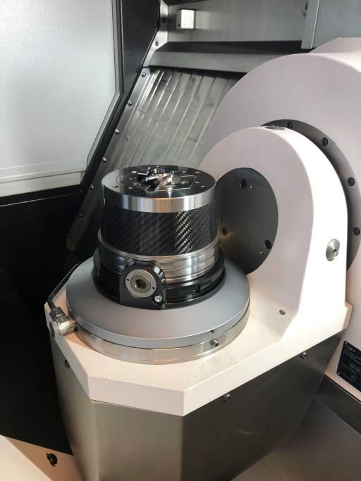 Das Leichtbauspannfutter Torok CFK IQ mit integrierter Sensorik.