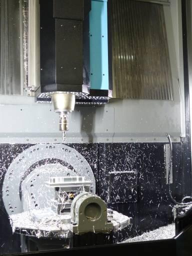Beim Fräsen von Kupplungssystemen aus einer Aluminiumlegierung mit einer Zugfestigkeit von zirka 750 N/mm² stieß man bei HSM mit den Fräswerkzeugen hinsichtlich Schnittgeschwindigkeiten und Standzeiten relativ schnell an Grenzen.