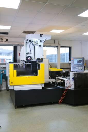 Die neue ROBOCUT α-C800iB/500 von Fanuc ersetzt die bislang dienstälteste Maschine bei Haidlmair. Damit sind jetzt alle Maschinen in den digitalen Workflow integriert.