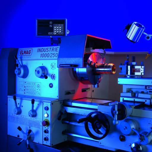 Der Elmag-Produktbereich der Metallbearbeitung umfasst Maschinen für das Drehen, Fräsen, Bohren und Sägen sowie die Blechbearbeitung.