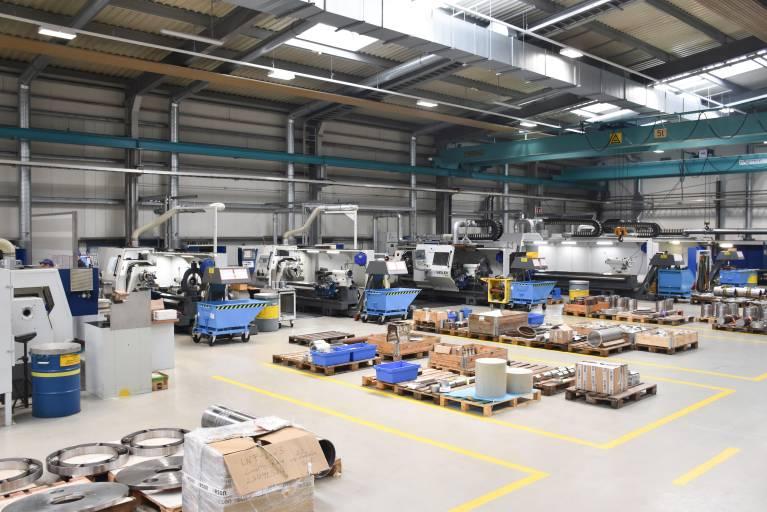 Die Bearbeitung der Werkstücke in der Dreherei erfolgt auf Weiler-Präzisionsdrehmaschinen der E-Serie mit Zyklensteuerung.