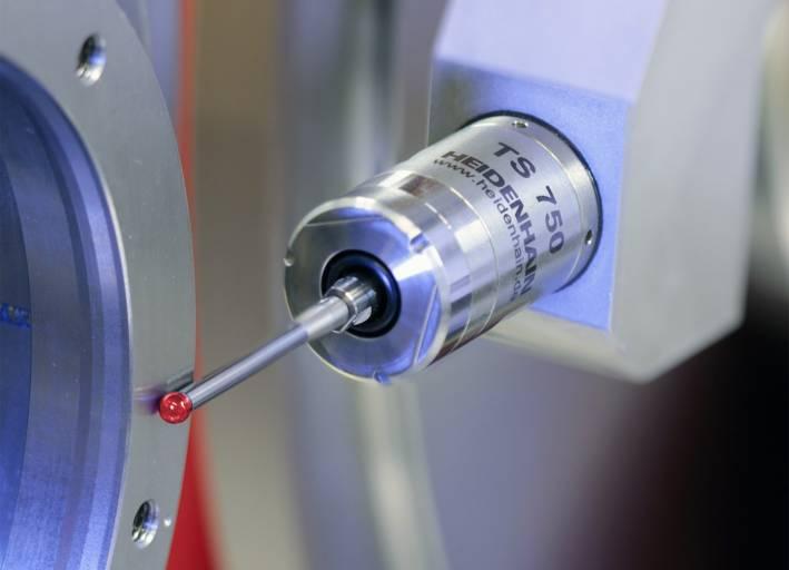 Das Werkstück-Tastsystem TS 750 von Heidenhain: kompakt, hochgenau, langlebig und robust für die In-Process-Qualitätsprüfung in Schleifmaschinen.